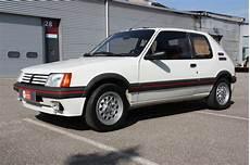 sellerie 205 gti peugeot 205 gti 105ch voitures vintage