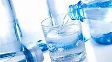 stiftung warentest mineralwasser stiftung warentest zwei mineralw 228 sser mit pestiziden