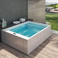 luxus design whirlpool auf dem balkon gt spa me280