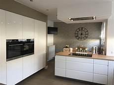 cuisine moderne blanche et bois cuisine blanche et bois 15 id 233 es pour vous inspirer