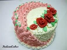 decorazioni con panna montata rivestire una torta in panna montata italian cakes nel 2020 decorazioni con panna