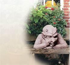 Steinskulpturen Für Den Garten - steinfigur als gargoyles f 252 r den garten gartenfigur