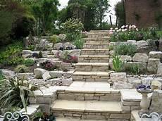 terrasse mit hang giardini rocciosi ecco come creare un area esterna