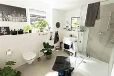 Badezimmer Verschönern Dekoration - badezimmer dekorieren wohlf 252 hl atmosph 228 re in ihrem bad obi