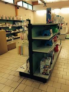 scaffale per negozio scaffalature per negozio usate sga shopmetalshelves