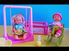 vidéo de filles nenuco poup 233 e b 233 b 233 au parc demo de jouets pour