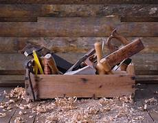 Altes Holz Bearbeiten - basic carpentry tools woodworking equipment for beginners