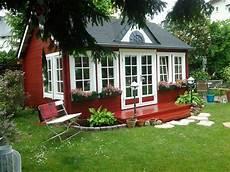 Kleines Gartenhaus Schwedenstil - wie gem 252 tlich das schwedenrote gartenhaus im clockhouse