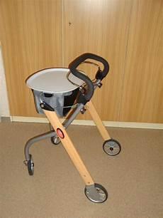 Rollstuhl Für Wohnung by Rollator F 252 R Die Wohnung In Zorneding Medizinische