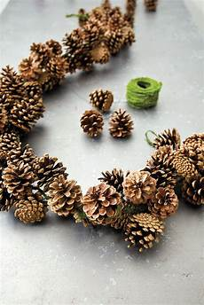 How To Make A Pinecone Garland No 235 L Bricolage D 233 Coration