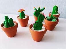 deko basteln mini kaktus deko aus modelliermasse diy basteln im sommer
