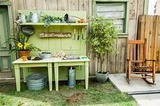 Gartendeko Selber Bauen - the ultimate diy potting bench home family hallmark