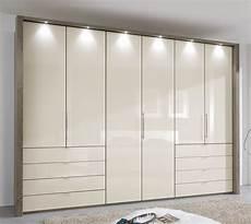 Kleiderschrank Mit Schubladen - kleiderschrank in tr 252 ffeleiche mit faltt 252 ren schubladen