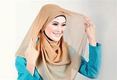 Cara Memakai Jilbab Segi Empat Sederhana Yang Simpel Dan