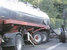 A3 Sperrung Nach Tanklaster Unfall Oberhausen