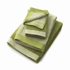 Reversible Green Bath Towels From Crate And Barrel reversible green bath towels from crate and barrel