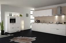 küche dunkler boden wei 223 e k 252 chen im trend musterhaus k 252 chen fachgesch 228 ft