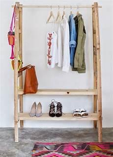 garderobe aus leitern die wohngalerie garderobe aus zwei leitern ein simpler