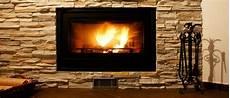 foyer pour cheminee bois quelle est la diff 233 rence entre une chemin 233 e 224 foyer ouvert