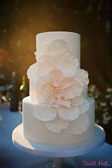 simple wedding cakes with beautiful details modwedding
