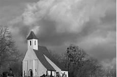 Gambar Awan Hitam Dan Putih Langit Bangunan Cuaca
