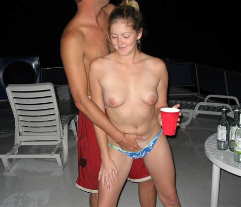 Horny Nude Girls