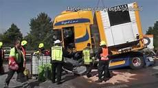 Heavy Truck Schwerer Lkw Unfall A 61 Am Kreuz