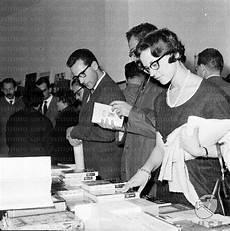 feltrinelli libreria roma roma e il suo futuro chiude la libreria feltrinelli di