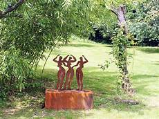 stahlskulptur gartenskulptur metallskulpturen rost