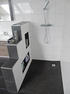 Behindertengerechte Badezimmer Beispiele - heinrich wohnraumveredelung 187 bad in schwarz wei 223 mit