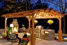 illuminazione per gazebo in legno illuminare il gazebo di sera 20 idee originali per