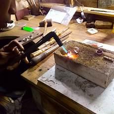 daerah pengrajin perak di indonesia bisa intip cara pembuatannya sai borong perhiasan