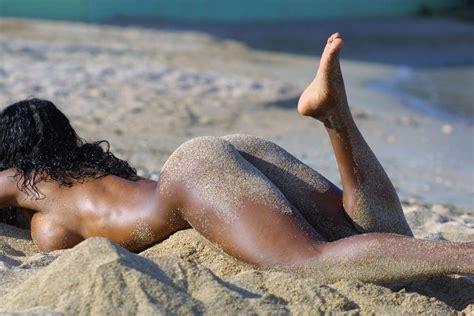 Janet Devlin Nude
