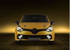 Renault Clio Rs Wallpaper renault clio rs wallpapers images photos pictures backgrounds