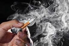 Paru Paru Penuh Nanah Akibat Merokok Lelaki Ini Meninggal