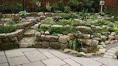 Beete Mit Steinen Gestalten - wie sie den steingarten gestalten k 246 nnen tipps zur