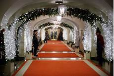 Whitehouse Decorations by Obama Showcases The 2014 White House