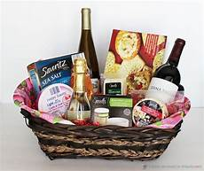 Kitchen Gift Set Ideas by 5 Creative Diy Gift Basket Ideas For Friends
