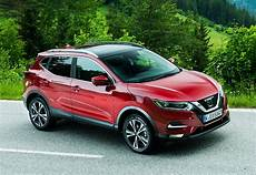 Nissan Qashqai Station Wagon 2014 Photos Parkers