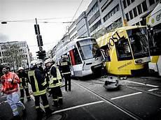 Unfall Düsseldorf Heute - schwerer rheinbahn unfall an der schadowstra 223 e