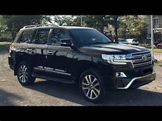 2018 toyota land cruiser v8 review