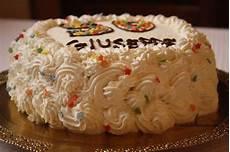 decorazioni torte con panna montata torta decorata con panna montata bianca per il compleanno di 50 anni decorazioni con panna