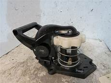 roue clio 3 treuil de roue de secours renault clio iii estate phase 1