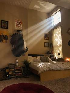 Aesthetic Bedroom Ideas Lights by In This Photo You Can See The Light Peaking