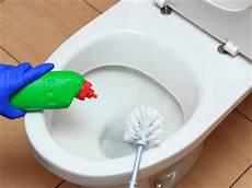 Bad Putzen So Machen Sie Es Richtig Hagebau De