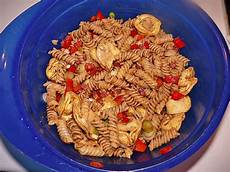nudelsalat mit mayo nudelsalat mit balsamico kr 228 uter obstessig dressing ohne