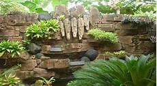 Membuat Taman Air Terjun Dari Jendela Rumah