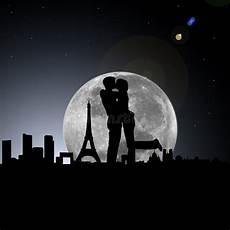 geliebte in der nacht mit mond stock abbildung