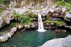 cascade d eau pour bassin la couleur de la terre cascades et bassins de la rivi 232 re