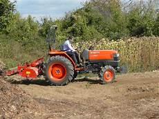 kubota l serie hydro option makes mid range kubota tractor easier to operate